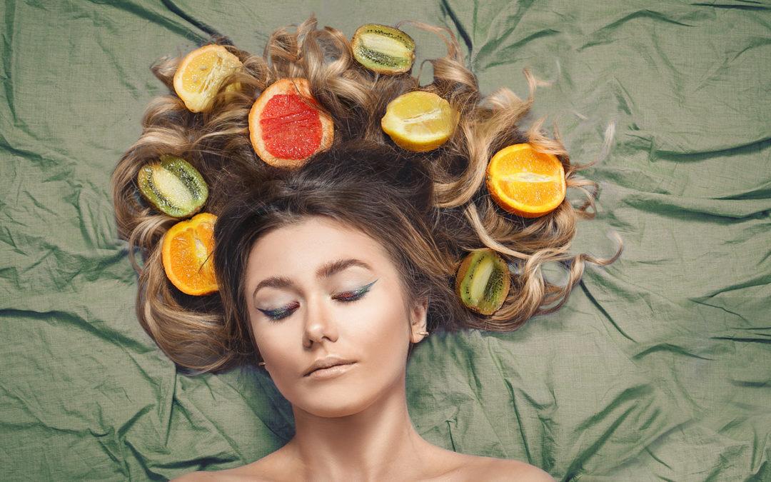As vitaminas essenciais para fortalecer os fios