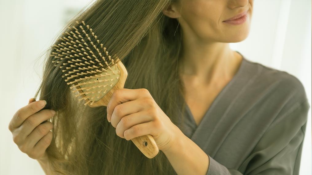 Pentear o cabelo: ato estético e saudável